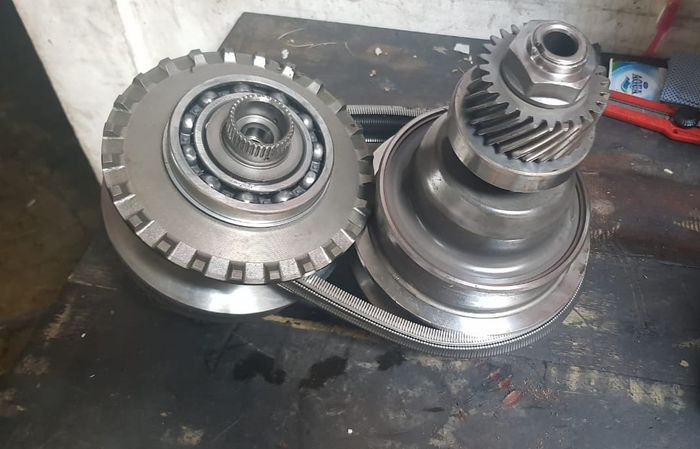Belt dan pulley CVT
