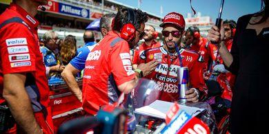 Dovizioso Belum Menyerah Kejar Marquez Meski Gagal Finis di Catalunya