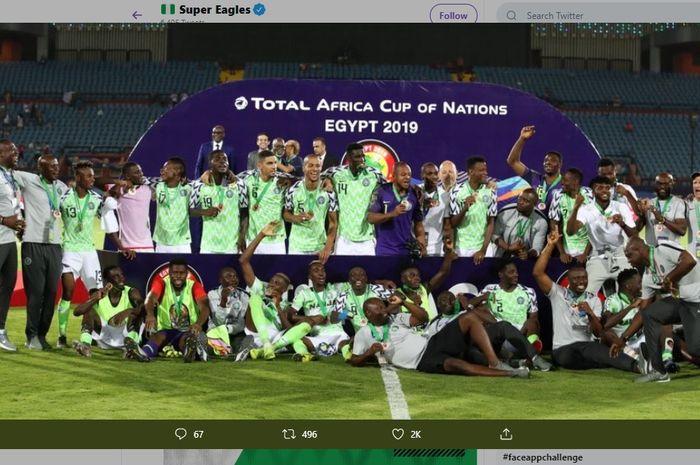 Selebrasi para pemain Nigeria usai meraih peringkat ketiga di Piala Afrika 2019, di Stadion As Salam, Mesir, Rabu (17/7/2019) atau Kamis dini hari WIB.