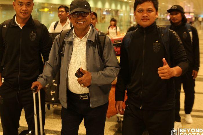 Emral Abus (Tengah), akan menggantikan pelatih Bali United, Stefano Cugurra alias Teco, untuk mengarungi Kualifikasi Liga Champions Asia 2020