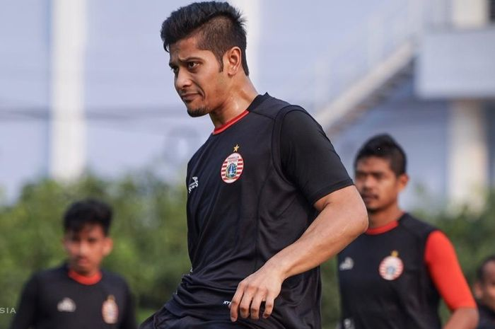 Pemain baru Persija Jakarta, Farri Agri dalam sesi latihan tim.