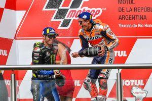 Marc Marquez Menilai Valentino Rossi Masih Bisa Bersaing di MotoGP
