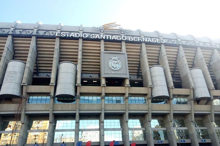 Estadio Santiago Bernabeu, kandang Real Madrid.