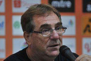 Pelatih Persib Kritik Kebijakan Baru Soal Pemain Asing untuk Liga 1