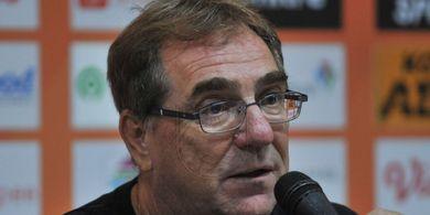 35 Tahun Jadi Pelatih, Robert Alberts Pendam Keinginan Melatih di Eropa