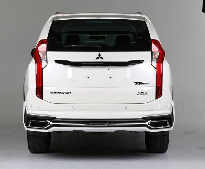 Bumper belakang pajero Sport dengan Tithum