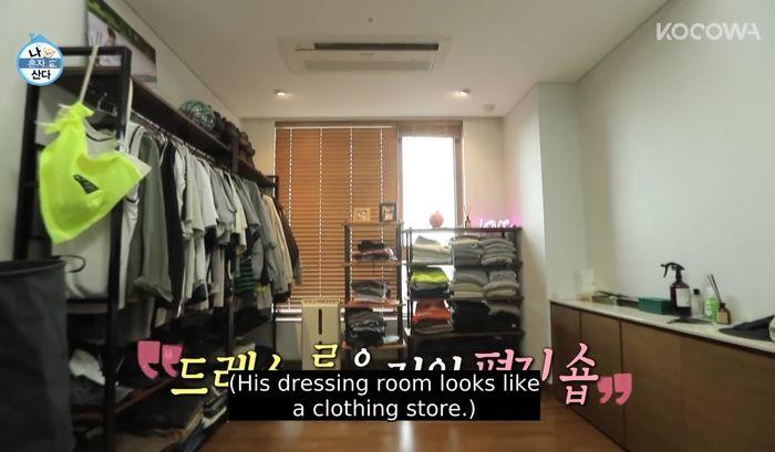 Walk in Closet di rumah artis Kim Youngkwang.