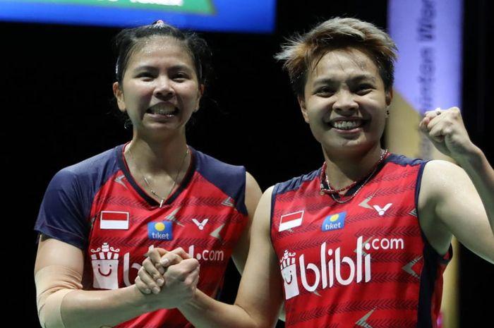 Pasangan ganda putri, Greysia Polii/Apriyani Rahayu, berhasil melaju ke babak semifinal Kejuaraan Dunia BWF 2019 setelah mengalahkan Chen Qing Chen/Jia Yi Fan (China) di St. Jakobshalle Basel, Swiss. 23 Agustus 2019.