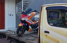 Ups, Honda PCX Livery Repsol Honda Tertangkap Kamera di Truk Dealer!