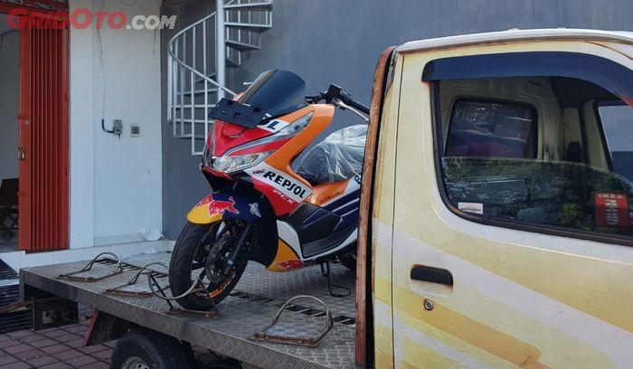Honda PCX Livery Repsol Honda