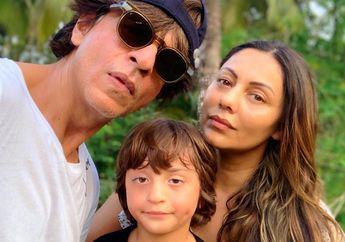 Romantis, Shah Rukh Khan Melindungi Istrinya dari Kerumunan Penggemar Saat Hadiri Acara Ulang Tahun