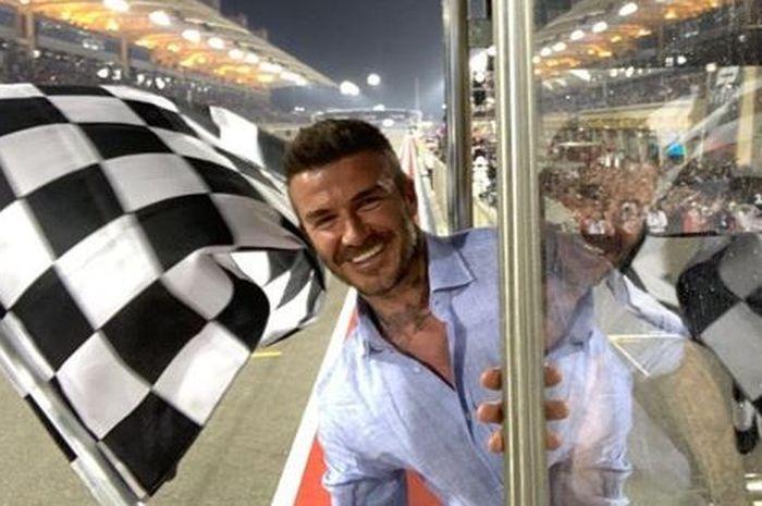 David Beckham saat kibarkan bendera finis di F1 GP Bahrain 2019