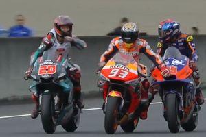 Hasil MotoGP Jepang 2019 - Motor Rusak, Marc Marquez 'Nebeng' Rider Malaysia ke Parc Ferme