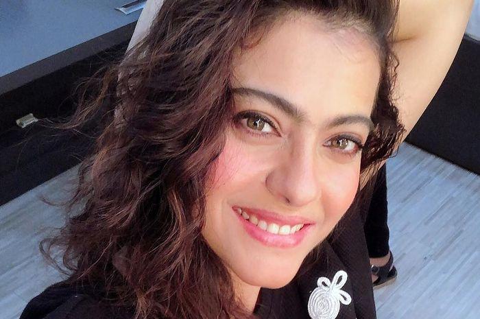 Aktris cantik Bollywood, Kajol, rayakan Mother's Day bersama ibunya