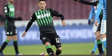Diminati AC Milan dan Inter Milan, Gelandang Sassuolo Pilih Mana?