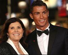 Ibu Cristiano Ronaldo Sebut Mafia Sepak Bola Halangi Karier Anaknya