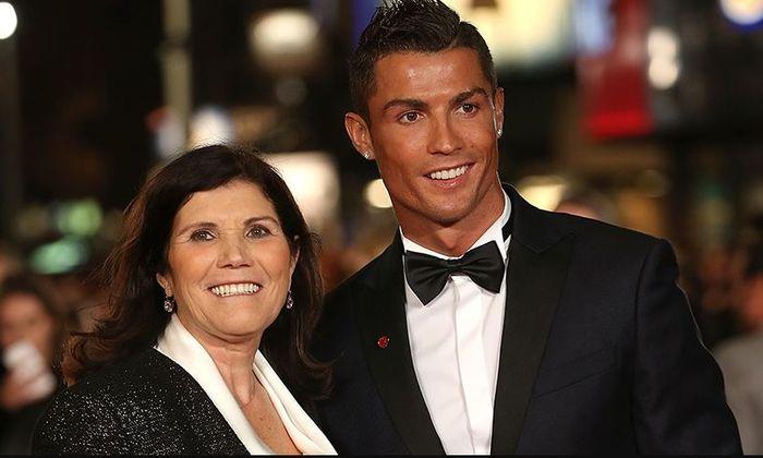 Ibu Cristiano Ronaldo, Maria Dolores dos Santos Alveiro