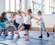 Si Kecil Suka Olahraga Karate? Ketahui Dulu 4 Fakta Menarik Ini Moms
