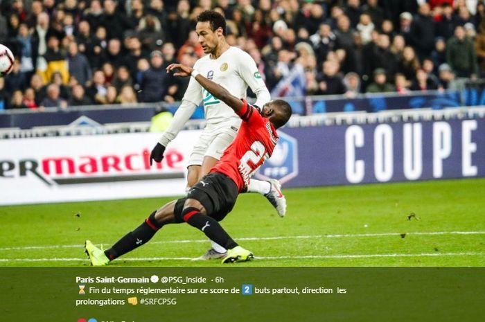 Aksi penyerang PSG, Neymar Jr. saat melawan Rennes di final Coupe de France  di Stade de France, Sabtu (17/4/2019).