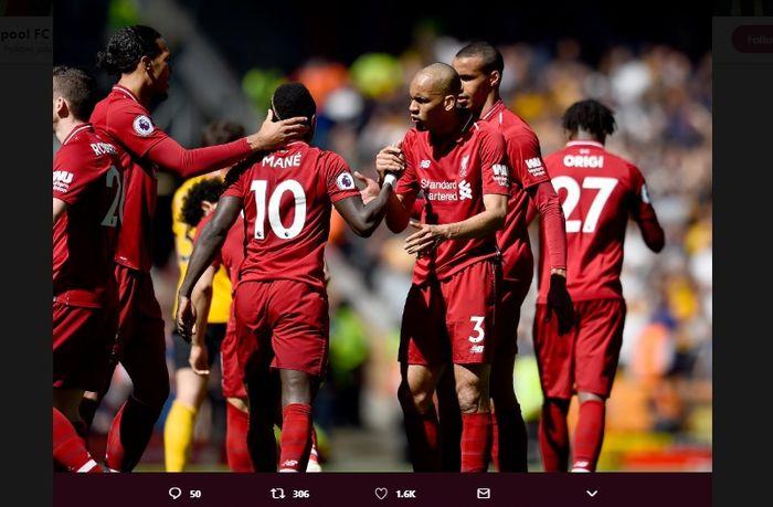 Selebrasi pemain Liverpool saat merayakan gol Sadio Mane dalam laga melawan Wolves di Anfield, Minggu (12/5/2019).