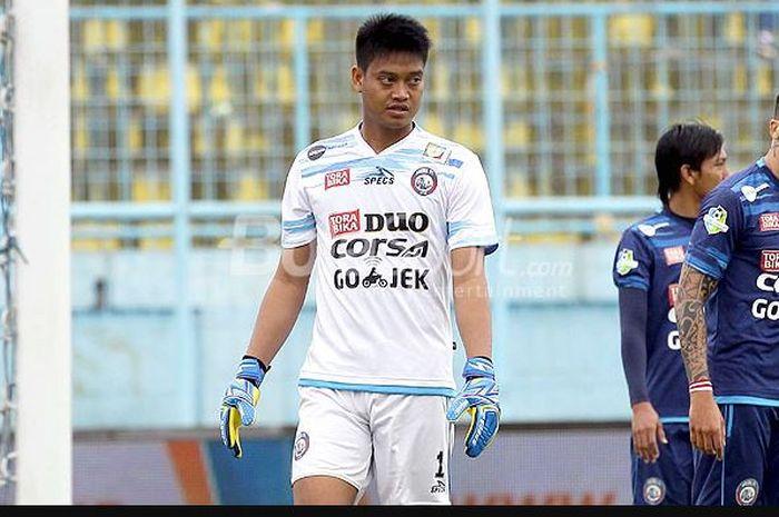 Ekspresi mantan kiper Arema FC, Kurnia Meiga, saat melawan Persiba Balikpapan dalam laga pekan ke-20