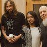Dengerin Nih Lagu-lagu Kolaborasi Dewa Budjana dengan Soimah, Kibordis Dream Theater, dan John Frusciante