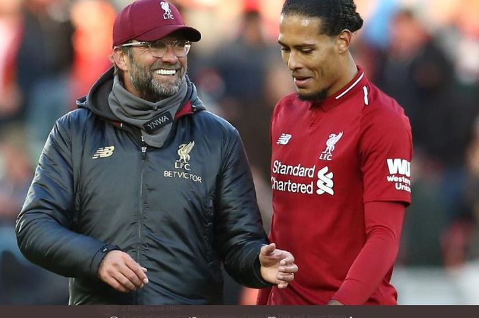 Virgil van Dijk bersama dengan manajer Liverpool, Juergen Klopp.