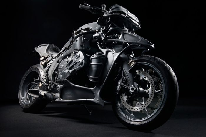 BMW K1600GTL custom dari Hot Dock Custom Cycles