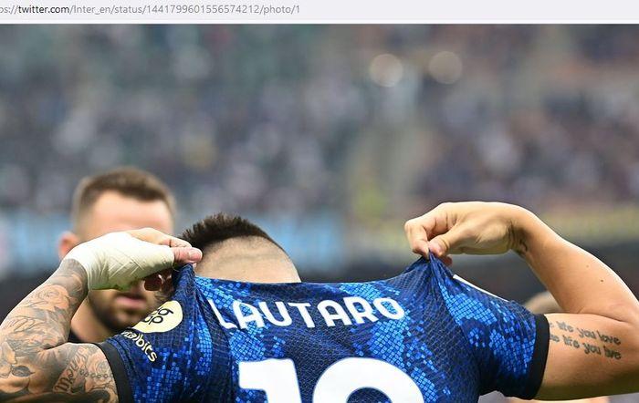 Striker Inter Milan, Lautaro Martinez, melakukan selebrasi dalam laga Liga Italia kontra Atalanta di Stadion Giuseppe Meazza, Sabtu (25/9/2021).