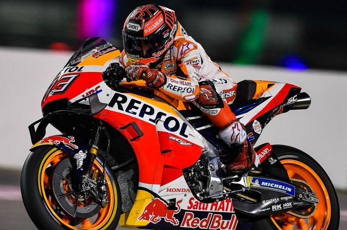 Marc Marquez (Repsol Honda) saat tampil dalam hari kedua gelaran tes pramusim MotoGP 2019 yang berlangsung di Sirkuit Losai, Qatar, Minggu (24/2/2019)