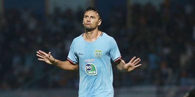 Alex dos Santos Enggan Pikirkan Top Scorer dan Hanya Pikirkan Persela