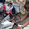 Video Joki Cantik Jesika Amelia Tabrakan Saat Balap Drag Bike, Kawasaki Ninja 150 Nyungsep ke Tempat Sampah