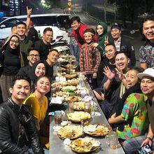 Rombongan Artis Papan Atas Makan Nasi Uduk Pingir Jalan, Sosok Ini yang Bayar Tagihannya Hingga Rp 7,9 Juta
