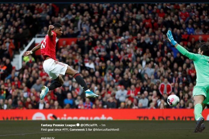 Marcus Rashfird saat mencetak gol ke gawang Liverpool di Stadion Old Trafford, dalam laga pekan ke-9 Liga Inggris, Minggu (20/10/2019).
