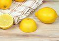 Atasi Nyeri Sendi dengan Kulit Lemon, Begini Cara Mudahnya Moms!