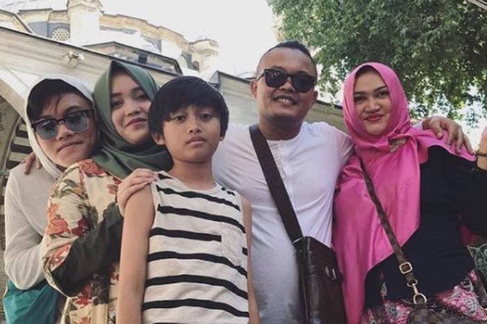 Meski Sudah Bercerai dan Dinikahi Teddy, Rizky Febian Ungkap Ibunya Diduga Ingin Balik karena Rindukan Sule dan Anak-anak