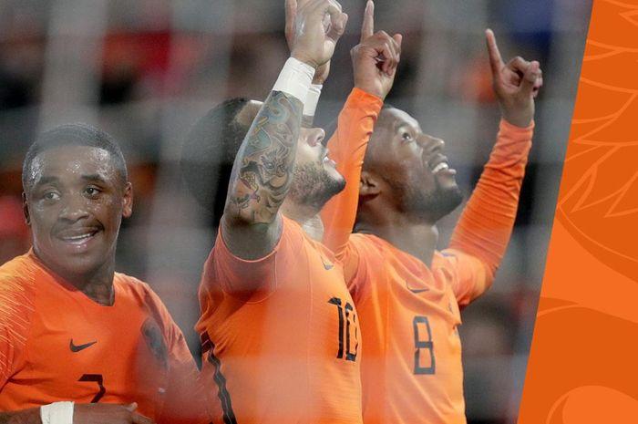 Selebrasi Memphis Depay dan Georginio Wijnaldum usai mencetak gol ke gawang Belarus, dalam laga kualifikasi Piala Eropa 2020 Grup C di Stadion De Kuip, Feyenoord, Jumat (22/3/2019).