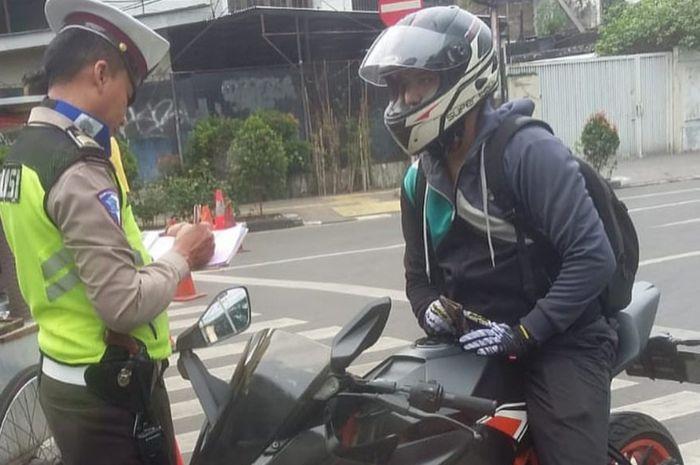 Polri lakukan penindakan terhadap pemotor yang masih nekat tidak pasang TNKB