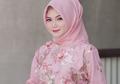 8 Dress Pink Untuk Kondangan yang Manis & Ayu ala Selebgram Hijab