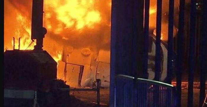 Helikopter Pemilik Leicester City, Vichai Srivaddhanaprabha, yang mengalami kecelakaan