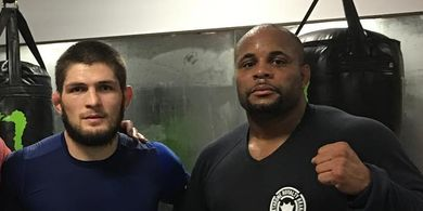 Bukan Khabib, Daniel Cormier Sebut Sosok yang Bakal Temani Dirinya Berpesta Andai Menangi UFC 252