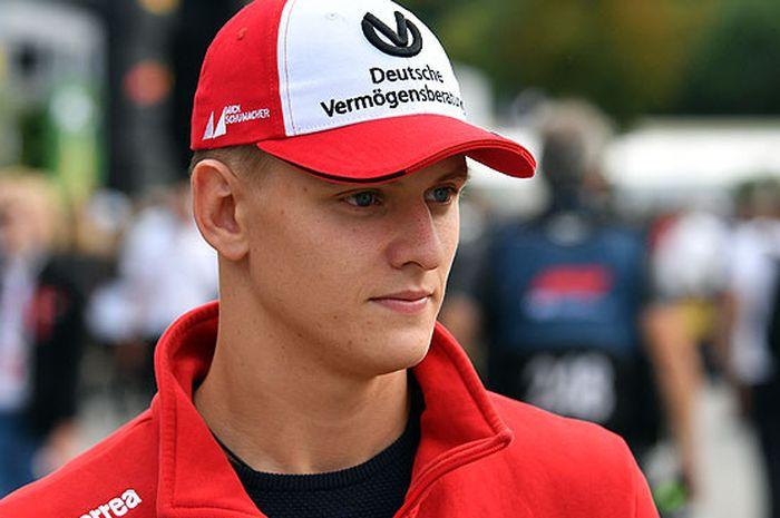 Pebalap asal Jerman, Mick Schumacher,