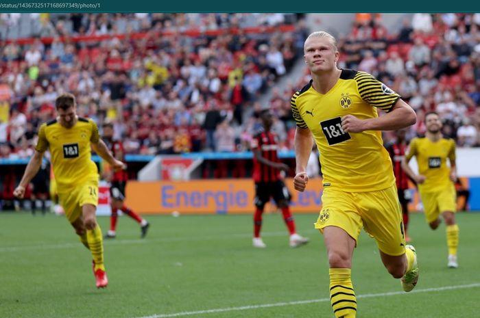 Erling Haaland sukses mencetak dua gol dalam kemenangan 4-3 Borussia Dortmund atas Bayer Leverkusen pada pekan keempat Bundesliga 2021-2022.