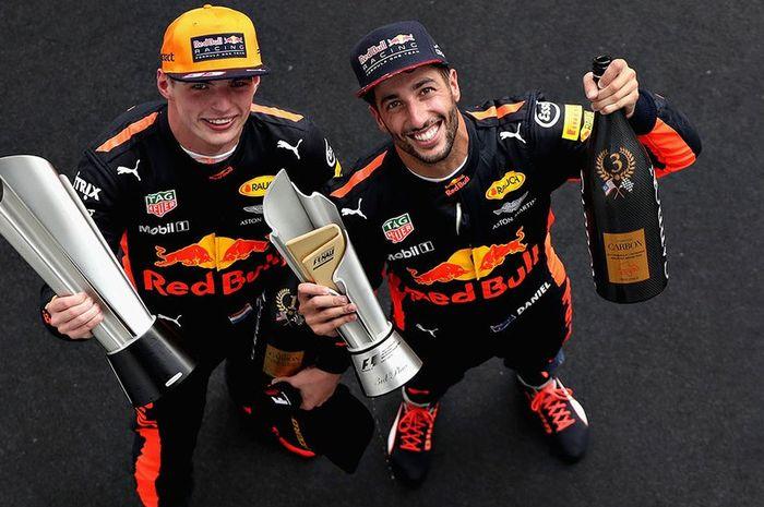 Duo Red Bull, Max Verstappen (kiri) dan Daniel Ricciardo (kanan)