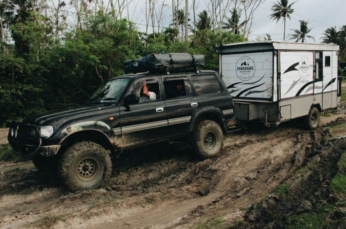 Camping menggunakan trailer ala Samarauke
