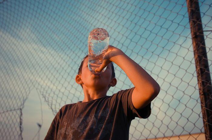 Cuaca panas bisa menyebabkann bau mulut.