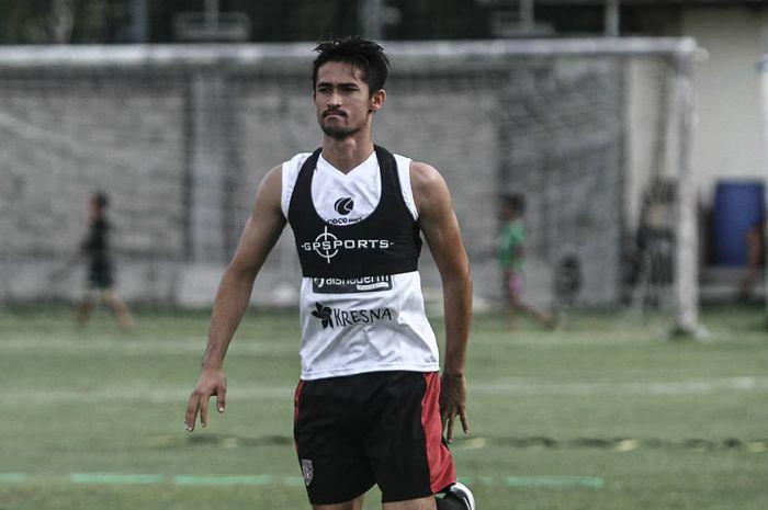 Gavin Kwan Adsit saat menjalani latihan bersama Bali United