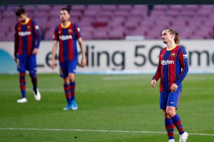 Reaksi Antoine Griezmann dalam laga Liga Spanyol Barcelona vs Granada di Camp Nou, 29 April 2021.