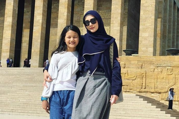 Fenita Arie dan Putrinya Khaila