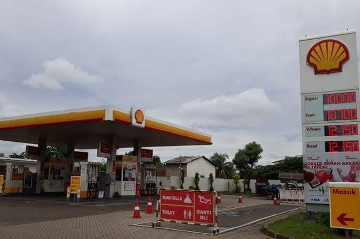 Pom bensin Shell.